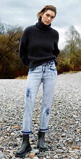 Jeans mit geradem Bein in verschiedenen Waschungen